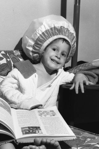 Bonnet-hood_hair_dryer,_1965