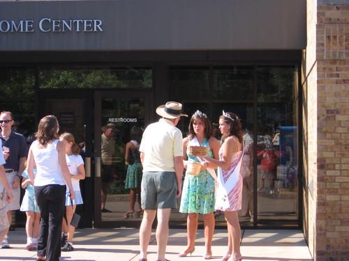 Michigan_visitors_center